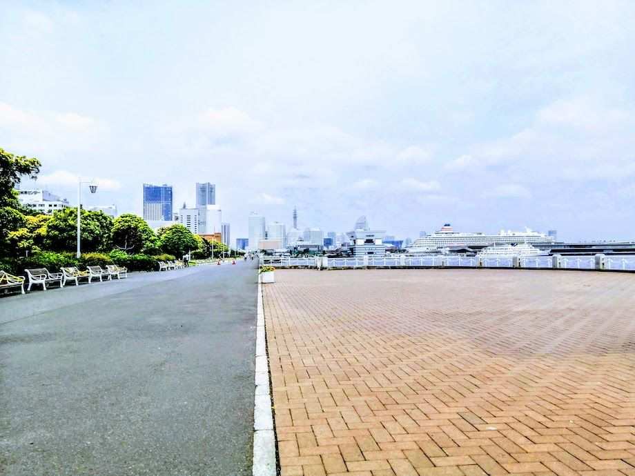 横浜おすすめジョギングコース、山下公園の海沿いのランコースの画像