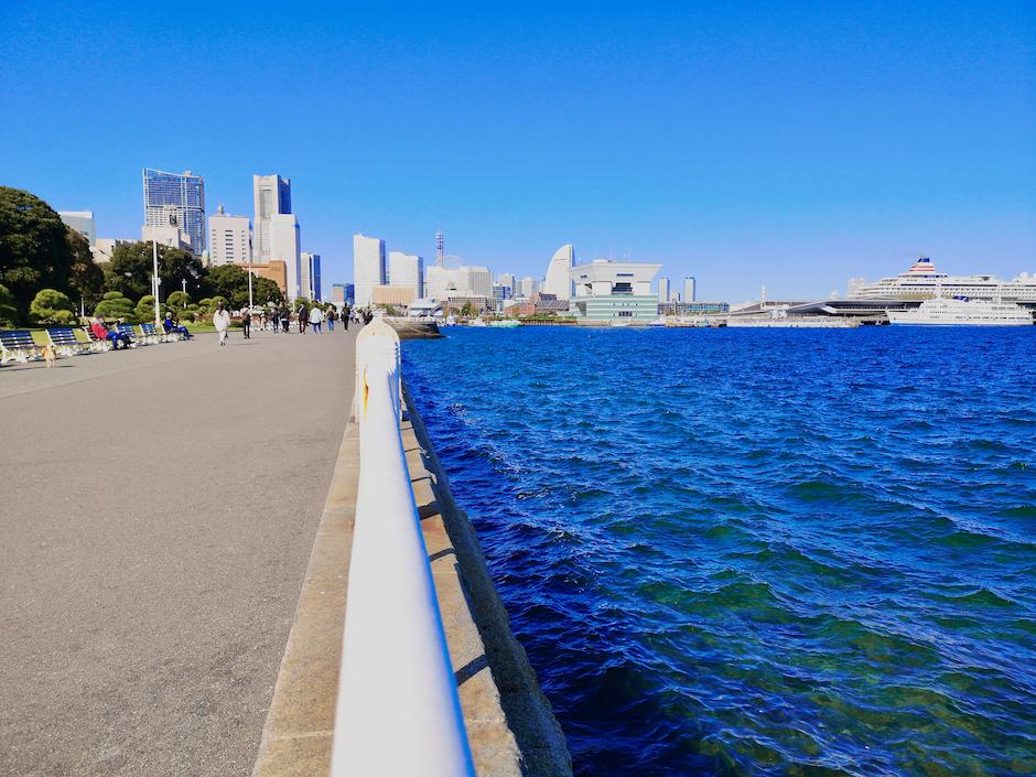 横浜山下公園は退屈スポット?その理由は?観光におすすめのガンダムファクトリーに隣接のイメージ画像